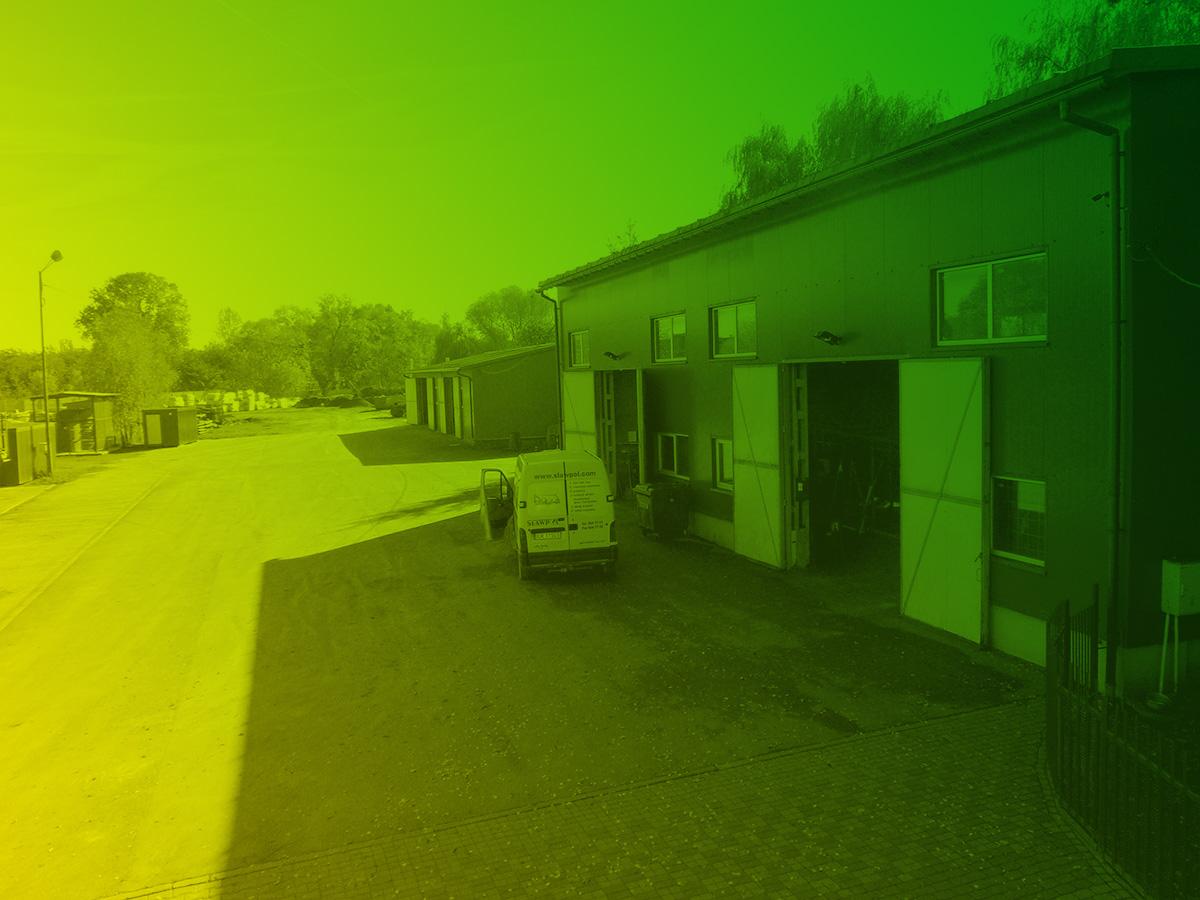 Baza Sprzetu i Transportu SŁAWPOL - zdjęcie z zielono-żółtym gradientem